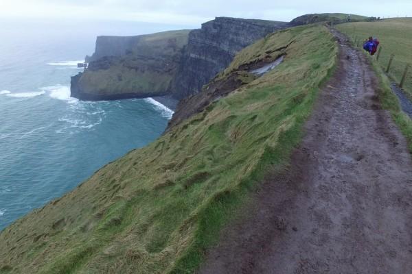 acantilados moher caminar irlanda