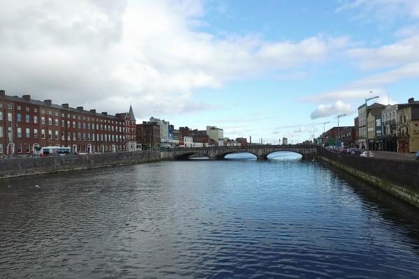 cork rio lee irlanda