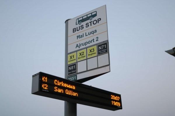 parada autobus malta aeropuerto