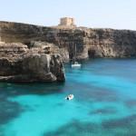 En Barco hacia Comino: Laguna Azul y Torre de Maria
