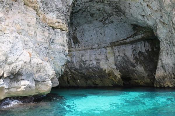 cuevas blue grotto malta