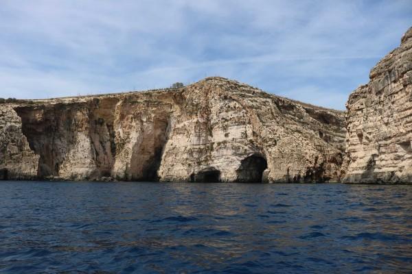 cuevas malta
