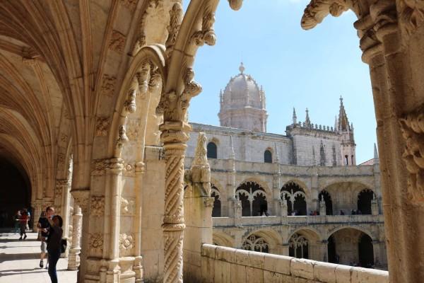 monasterio jeronimos iglesia santa maria belem portugal