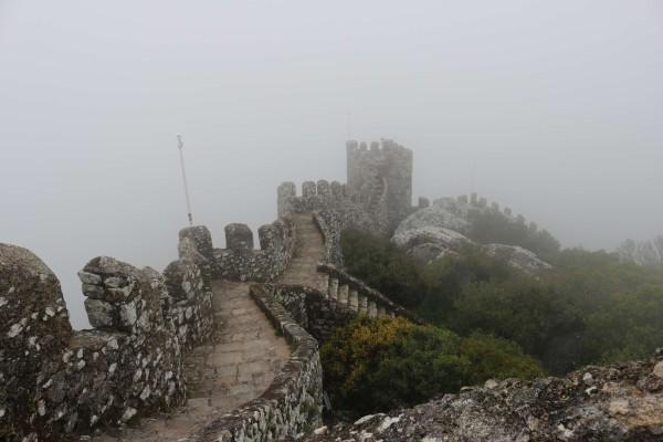 neblina castillo de los moros sintra portugal