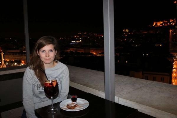 vino pasteis nata sangria elevador santa justa lisboa portugal