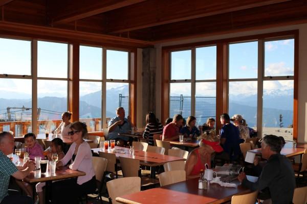 restaurante en la montaña whistler canada