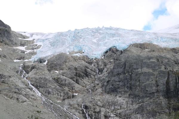 joffre lakes provincial park glaciar matier