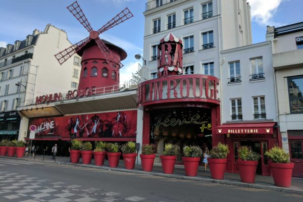 molino rojo moulin rouge paris francia